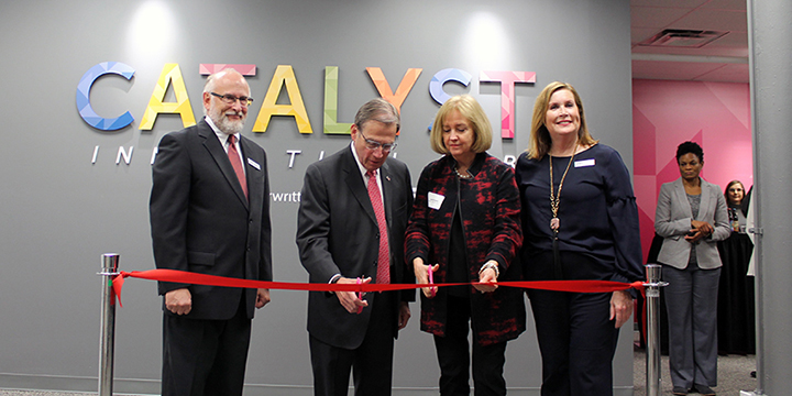 Michael Neidorff and Mayor Lyda Krewson cut ribbon at Arts and Education Council's grand opening of Catalyst Innovation Lab
